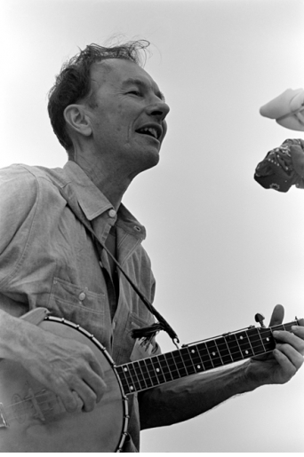 PETE SEEGER by JOE ALPER