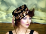 KATE BUSH, HAT, Londra, 1985 by GUIDO HARARI