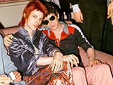 Bowie, Lou Reed, Dorchester Hotel, Londra, 1972 by MICK ROCK